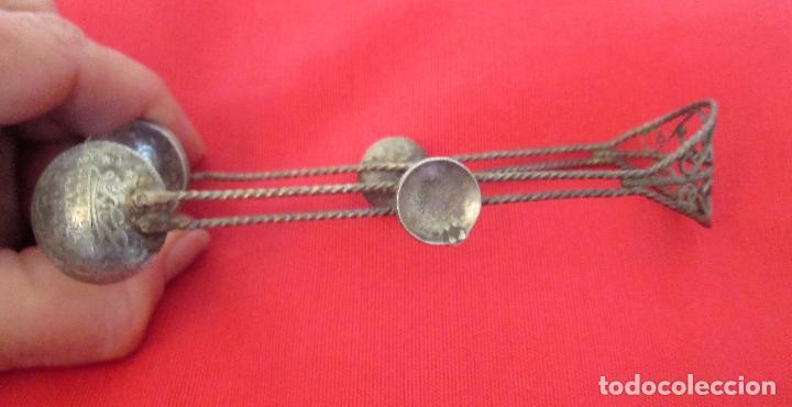 Antigüedades: Antigua pinza para servir azúcar. Filigrana de plata turca y monedas antiguas - Foto 4 - 97722967