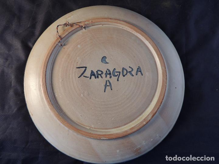 Antigüedades: PLATO DE CERAMICA DE ZARAGOZA CON ADORNO DE PALOMA - Foto 3 - 97753004