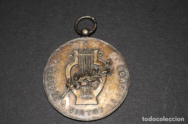 MEDALLA DE PLATA - PROGRES VIRTUT I AMOR - AÑO 1952 (Antigüedades - Religiosas - Medallas Antiguas)