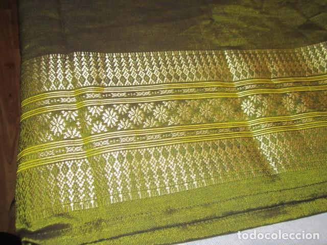 Antigüedades: Falda pareo. Cintura regulable. Ancho total: 124 cms. Largo: 98 cms. - Foto 4 - 97771923