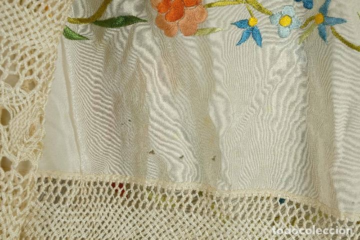 Antigüedades: Mantón Manila en seda bordada a mano principios siglo XX - Foto 5 - 97785439