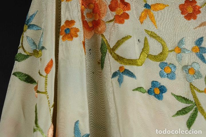 Antigüedades: Mantón Manila en seda bordada a mano principios siglo XX - Foto 8 - 97785439