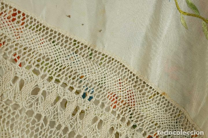 Antigüedades: Mantón Manila en seda bordada a mano principios siglo XX - Foto 10 - 97785439
