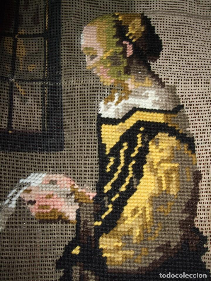 Antigüedades: ANTIGUA TELA CAÑAMAZO, BORDADA PUNTO CRUZ . PETIT POINT. Johannes Vermeer. MUCHACHA LEYENDO UNA CART - Foto 3 - 97791531