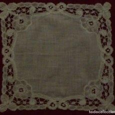Antigüedades: ANTIGUO PAÑUELO ENCAJE DE BRUSELAS DUQUESA S. XIX . Lote 97865955