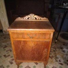 Antigüedades: MESITA DE NOCHE. Lote 97881535