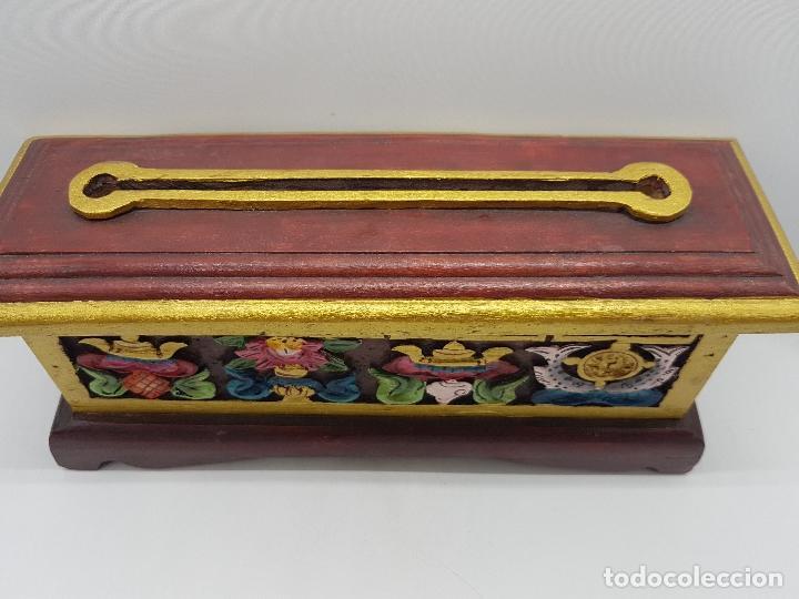Antigüedades: Magnifico inciensario chino antiguo hecho y pintado a mano con motivos tallados en relieve. - Foto 3 - 97960075