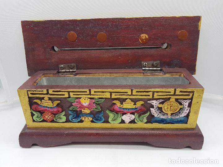 Antigüedades: Magnifico inciensario chino antiguo hecho y pintado a mano con motivos tallados en relieve. - Foto 4 - 97960075