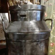 Antigüedades: LECHERA DE HIERRO GRANDE. Lote 97974868