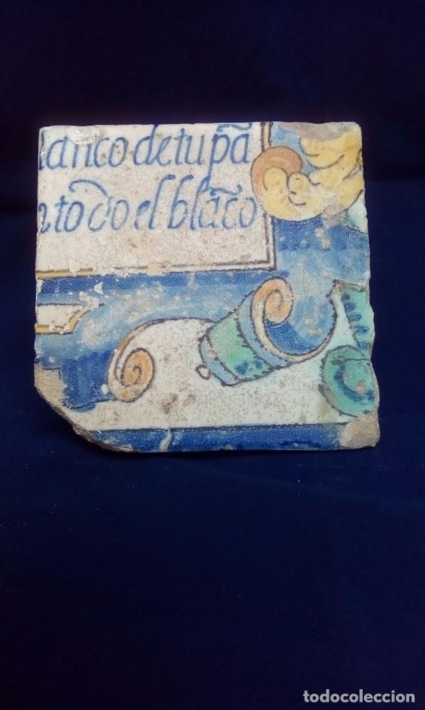 MAGNÍFICO ANTIGUO AZULEJO CON ESCRITURA (Antigüedades - Porcelanas y Cerámicas - Azulejos)