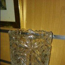 Antigüedades: JARRÓN CRISTAL TALLADO. Lote 98127503