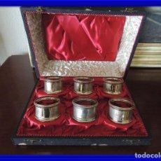 Antigüedades: SERVILLETEROS DE METAL PLATEADO CON SU ESTUCHE. Lote 98163611