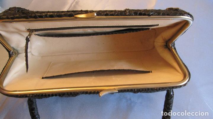 Antigüedades: MUY ANTIGUO BOLSO DE SERPIENTE. INTERIOR CABRITILLA. 28 CMS DE LARGO - Foto 8 - 98188763
