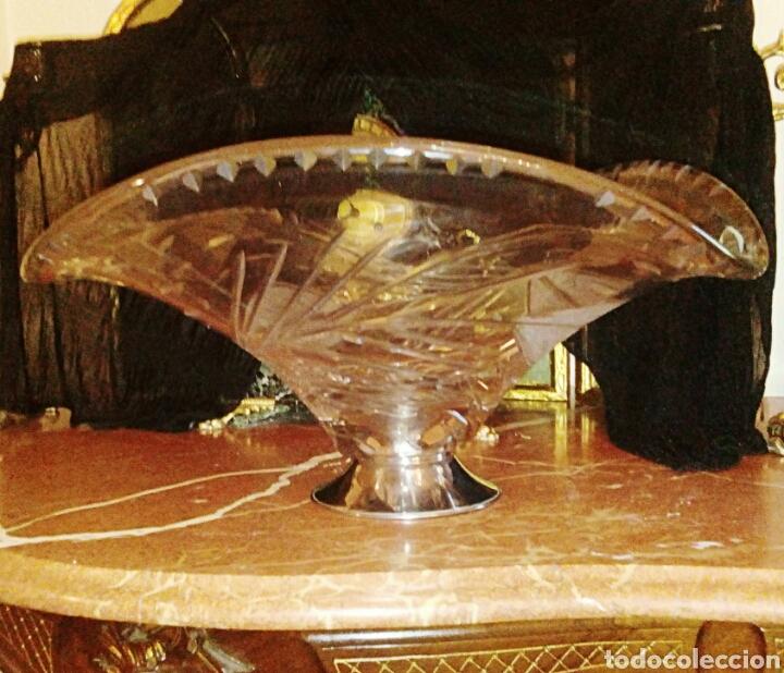 Antigüedades: Centro de mesa de cristal italiano. Tallado a muela. Base plateada. - Foto 2 - 98192675