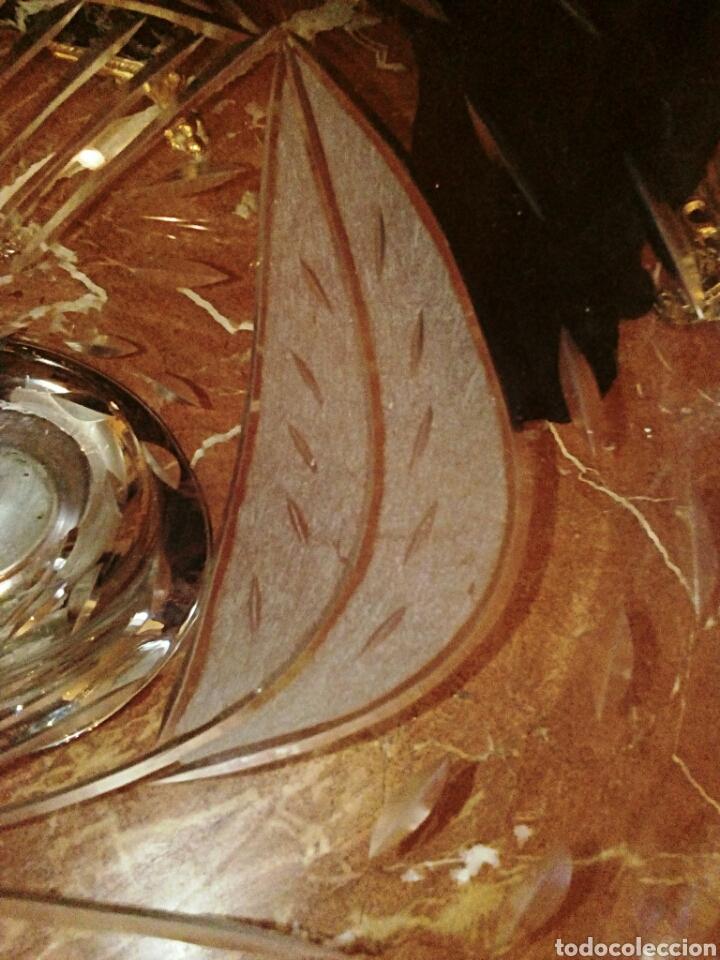 Antigüedades: Centro de mesa de cristal italiano. Tallado a muela. Base plateada. - Foto 5 - 98192675
