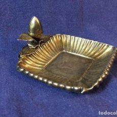 Antigüedades: CENTRO PLATA CONTRASTES BELLOTA HOJAS GALLONADO PRINCIPIOS SIGLO XX NATURALEZA 10X10 CMS. Lote 98203327