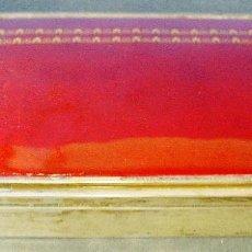 Antigüedades: ANTIGUA CAJA JOYERO EN PLATA CONTRASTADA, MADERA Y ESMALTE ROJO GRANATE CON CENEFA DORADA. . Lote 98208707