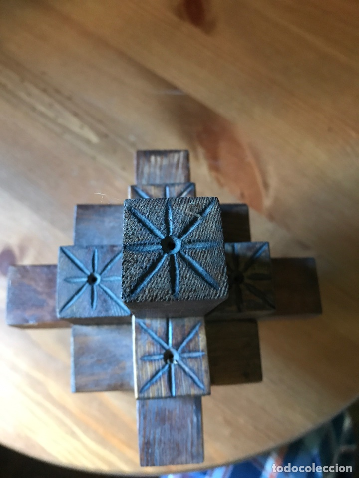 Antigüedades: Cruz de madera tridimensional tallada a mano., antigua - Foto 4 - 98346022
