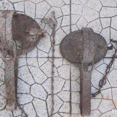 Antigüedades: DOS CENTENARIAS TRAMPAS. Lote 100221711