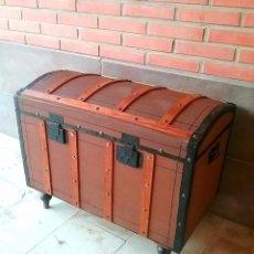 Antigüedades: COFRE BAUL MUEBLE CAJA ANTIGUA MESA MALETA ARCON ARCA COMODA. Lote 98415951
