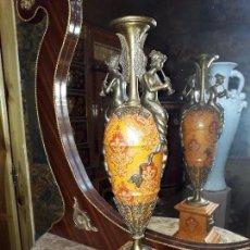 Antigüedades: JARRÓN DE POECELANA CRAQUELADA Y ADORNOS DE BRONCE ( 59 CM ). Lote 98453131