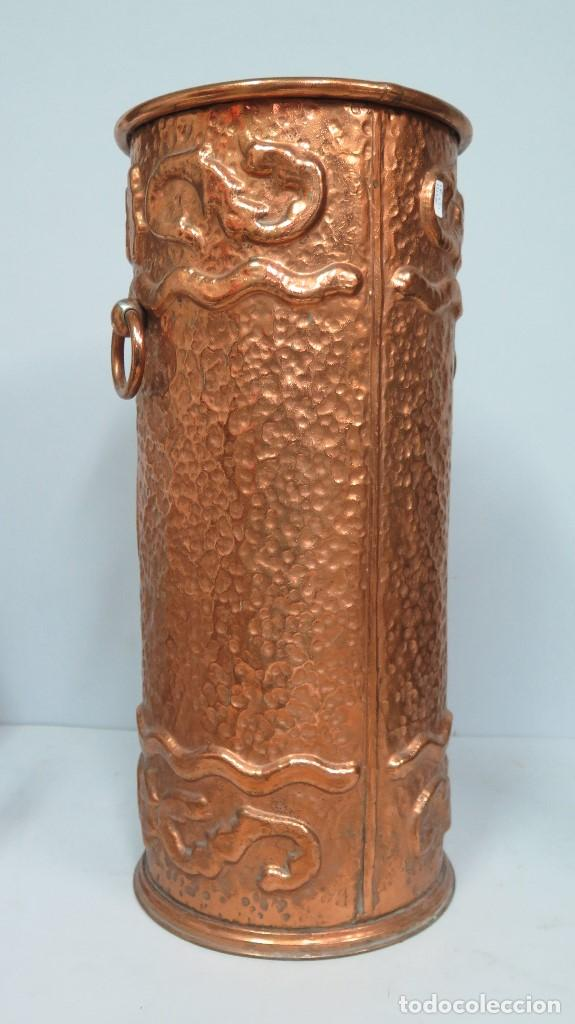 Antigüedades: ANTIGUO Y BONITO PARAGÜERO BASTONERO DE COBRE. ESTILO RENACIMIENTO. SIGLO XIX - Foto 5 - 98468943