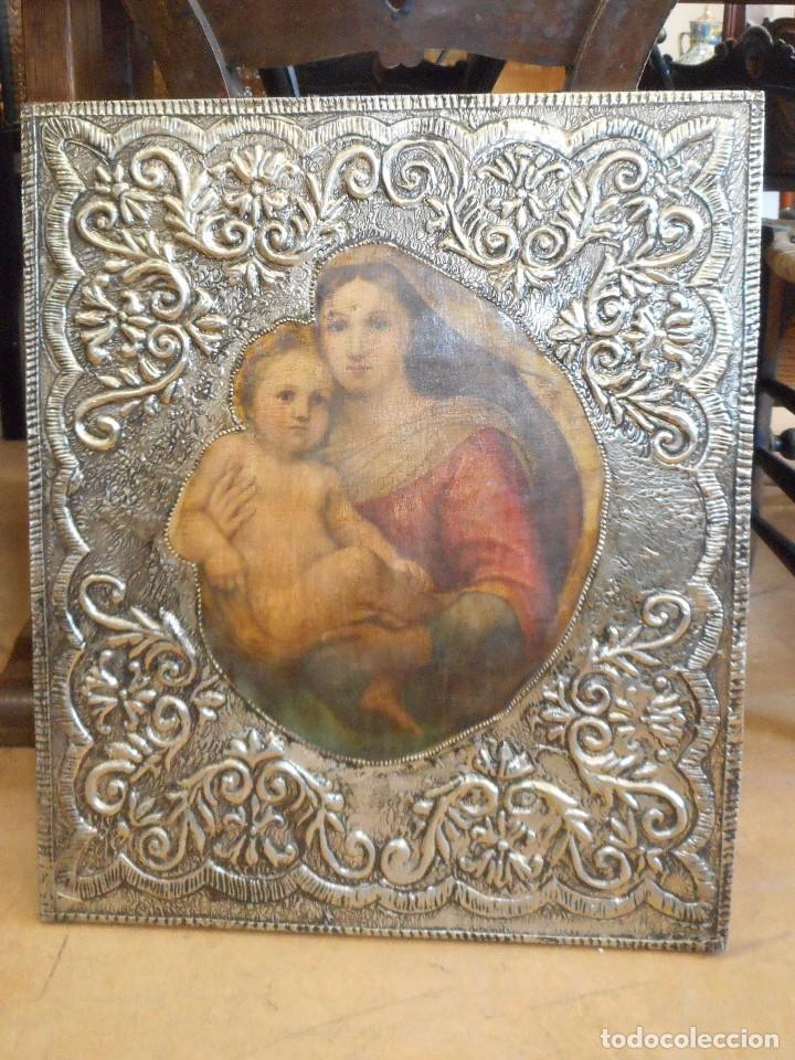 Antigüedades: Cuadro repujado de la Virgen y el Niño - Foto 2 - 98565995