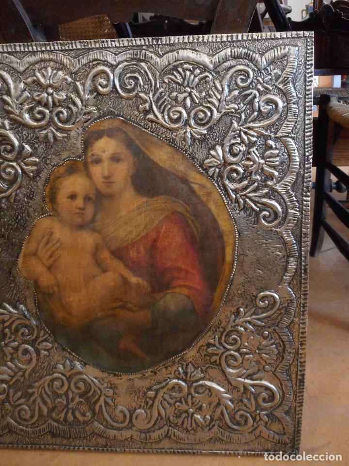 Antigüedades: Cuadro repujado de la Virgen y el Niño - Foto 3 - 98565995