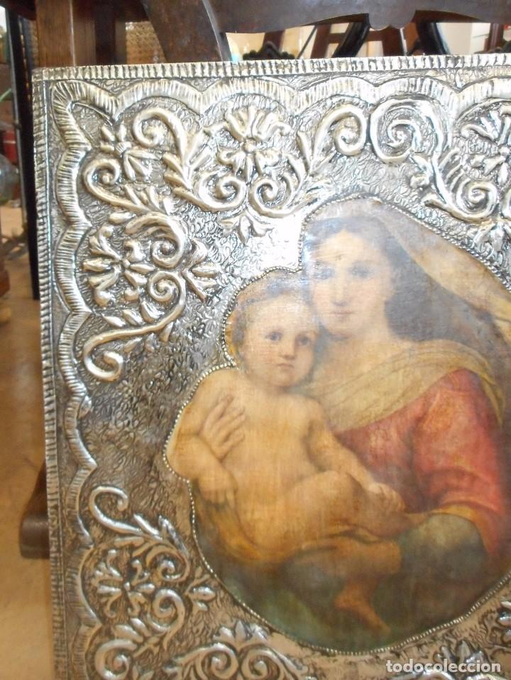 Antigüedades: Cuadro repujado de la Virgen y el Niño - Foto 4 - 98565995