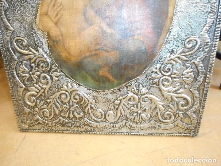 Antigüedades: Cuadro repujado de la Virgen y el Niño - Foto 7 - 98565995