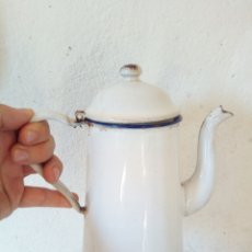 Antigüedades: ANTIGUA CAFETERA ESMALTADA. Lote 98644642