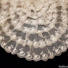 Antigüedades: ELEGANTE BLONDA ANTIGUA DE TUL BORDADO. Lote 98657188