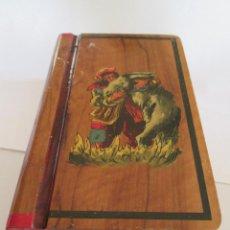 Antigüedades: CAJA DE MADERA BARNIZADA - DIBUJO EN TAPA - 19X12X6 - LOMO IMITANDO DOS LIBROS. Lote 98670243