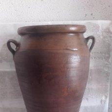 Antigüedades: TINAJA DE BARRO, TAMAÑO MEDIANO. Lote 98672907