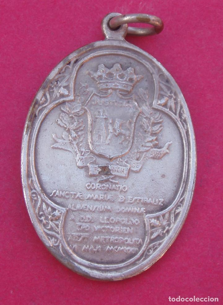 Antigüedades: Difícil Medalla Coronación Virgen de Estíbaliz Año 1923 Patrona de Argandoña- Vitoria. Alava - Foto 2 - 98723083