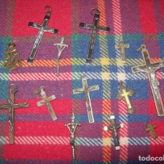 Antigüedades: IMPRESIONANTE LOTE DE CRUCIFIJOS.DIFRENETES MATERIALES Y MEDIDAS. VER FOTOS. . Lote 98762067