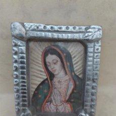 Antigüedades: CUADRITO CON IMAGENE RELIGIOSA - MADERA Y ALUMINIO - 7 X 5.7 CM.. Lote 98820759