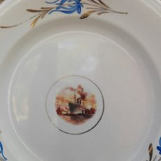 Antigüedades: ANTIGUO PLATO SEVILLA PICKMAN CHINA OPACA MEDALLA ORO 25,7 CM DECORADO BARCO VAPOR. Lote 98839838