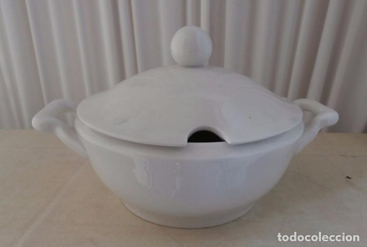 FUENTE SOPERA OPACA CHINA VIGO (Antigüedades - Porcelanas y Cerámicas - Otras)