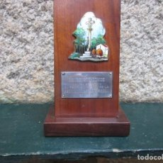 Antigüedades: ESMALTE DE LOS HERMANOS HERNANDEZ VIGO 1981 - CON PLACA PLATA A BENEDICTO CONDE BENE, CRUCEIRO + IN. Lote 98966107