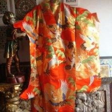 Antigüedades: KIMONO JAPONES SEDA BORDADO (UCHICAKE). Lote 98979619