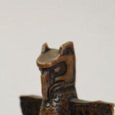 Antigüedades: FIGURA DE CABALLERO AGUILA AZTECA EN RESINA. Lote 98996599