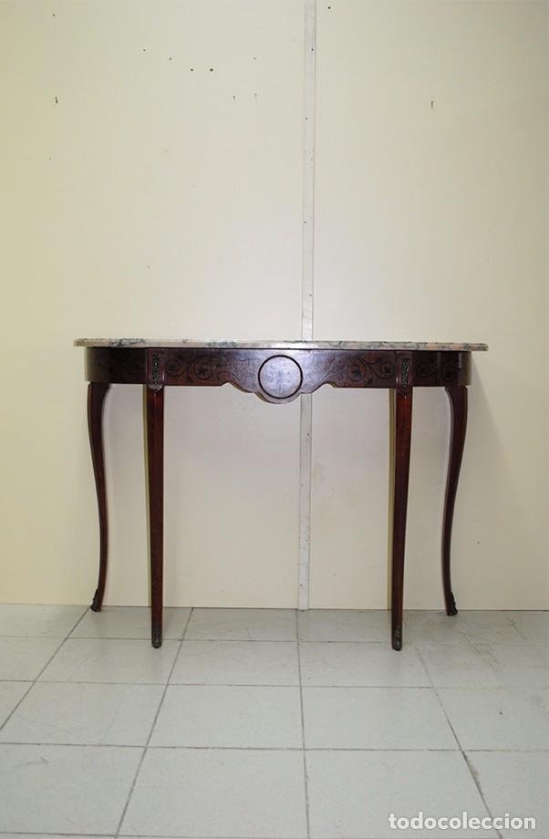 CONSOLA ANTIGUA DE MADERA Y MARQUETERÍA (Antigüedades - Muebles Antiguos - Consolas Antiguas)