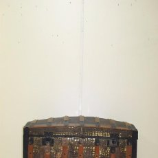 Antigüedades: BAÚL ANTIGUO DE MADERA Y HOJALATA. Lote 99021279