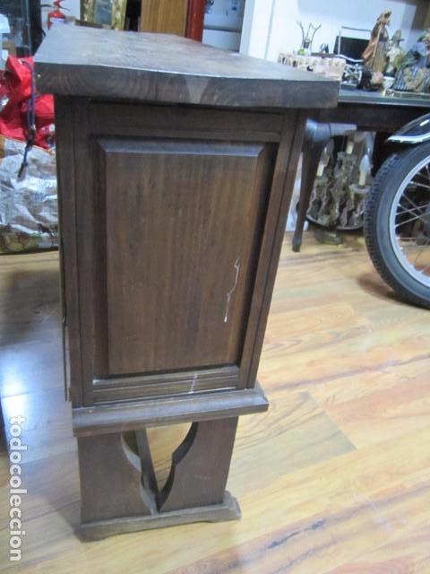 Antigüedades: Oportunidad aparador rústico de madera, con dos puertas. 90 x 29 x 74 cms. altura. - Foto 2 - 139377590