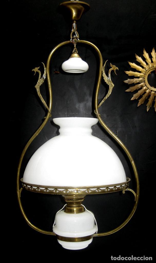 PRECIOSA RESTAURADA LAMPARA ANTIGUA TIPO QUINQUE CIRCA 1870 FRANCIA LATON Y OPALINA (Antigüedades - Iluminación - Lámparas Antiguas)