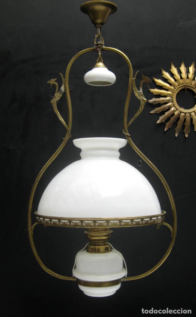 Antigüedades: PRECIOSA RESTAURADA LAMPARA ANTIGUA TIPO QUINQUE CIRCA 1870 FRANCIA LATON Y OPALINA - Foto 3 - 99101527