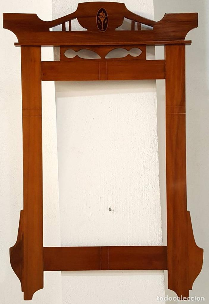 MARCO MODERNISTA CON MARQUETERIA (Antigüedades - Muebles Antiguos - Espejos Antiguos)