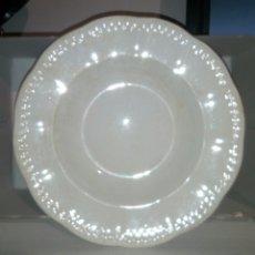 Antigüedades: PLATO HONDO PORCELANA CHINA OPACA SEVILLA. Lote 99162292