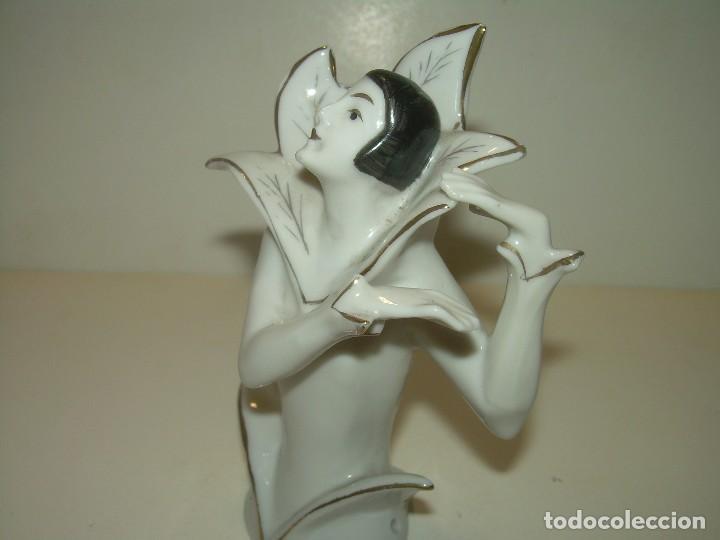 ANTIGUA Y BONITA FIGURA DE BISCUIT.....SIGLO XIX. (Antigüedades - Porcelanas y Cerámicas - Otras)